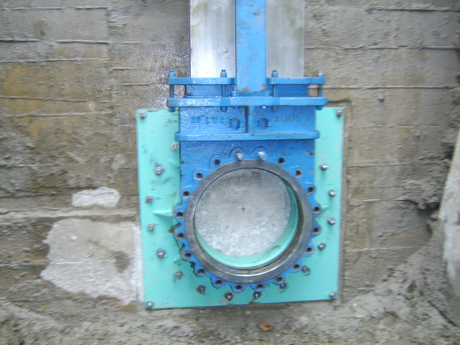 Due to the valve on site has to small of bore 17.25inch to accept the cutter being used 18.0inch to perform wall tap. IFT valve has abore of 19.50inch.